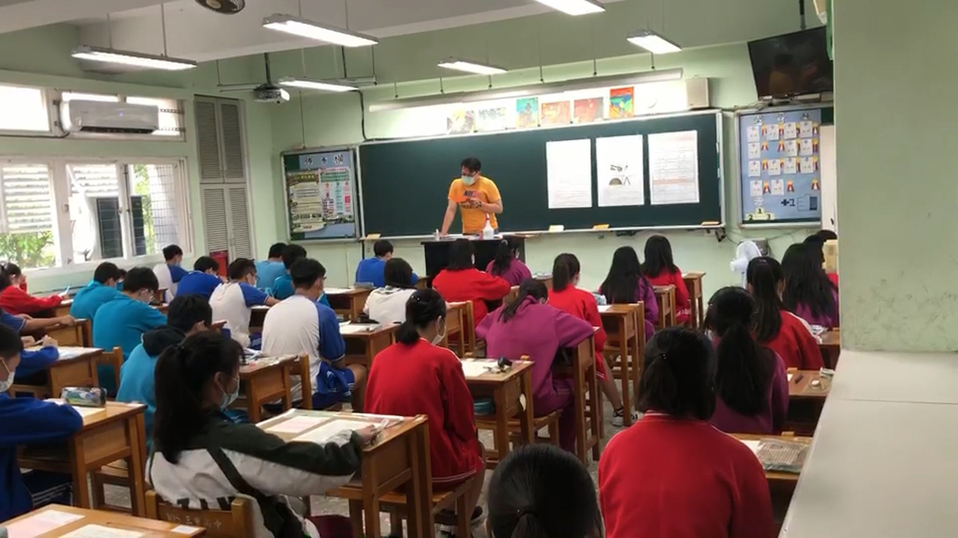 國中教育會考 試場照片1