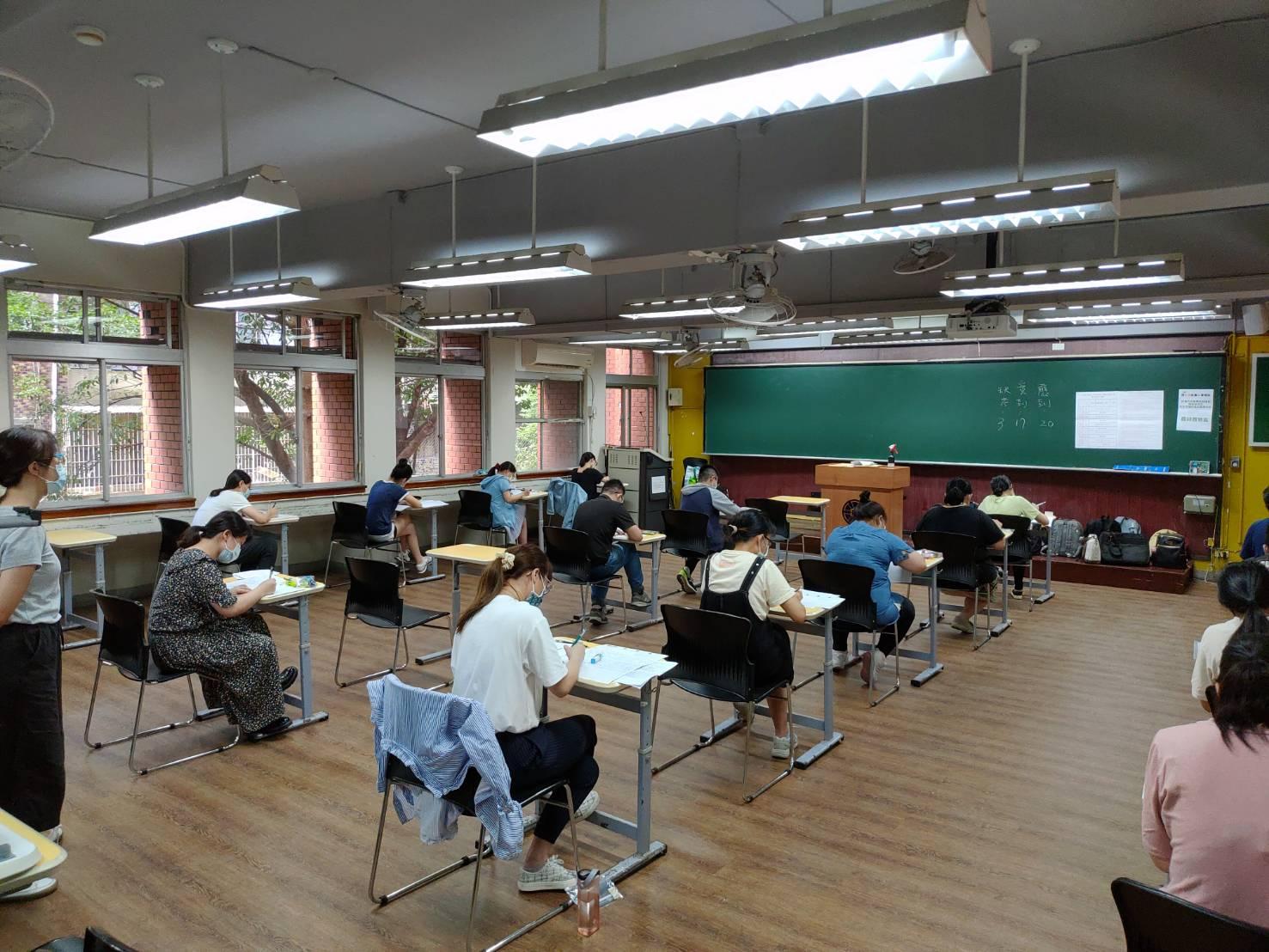 教師資格考試:試場人數調降至20人,維持社交距離
